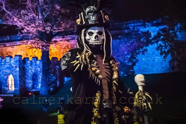 HALLOWEEN THEMED ENTERTAINMENT - SKELETON STILTS UK