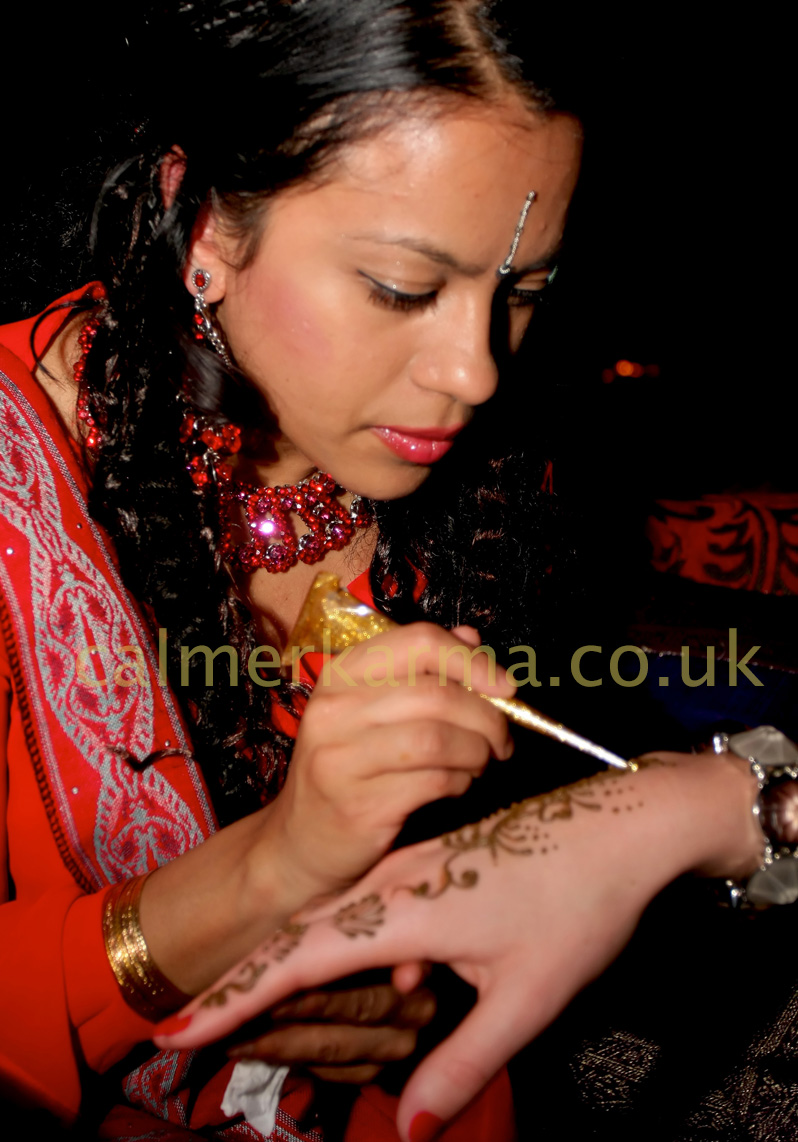 HENNA TATTOO ARTISTS TO HIRE FOR EVENTS AND BRIDAL PARTIES UK
