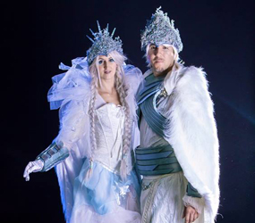 WINTER WONDERLAND ACTS TO HIRE - ICE QUEEN & ICE KING REGAL STILTS BIRMINGHAM
