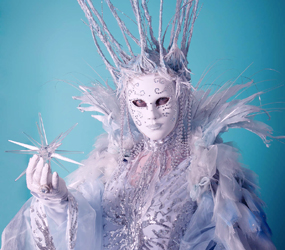 ICE QUEEN LIVING STATUE OR MINGLING CHARACTER LED ACT