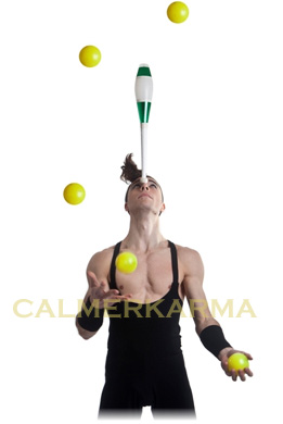 JUGGLER-HIGHLY SKILLED JUGGLER CLUBS AND BALLS TO HIRE - UK