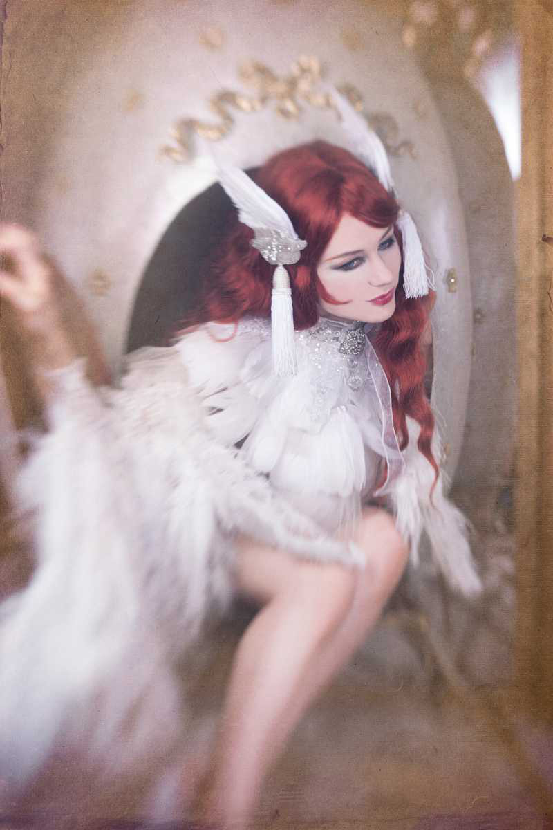 LUXURY BURLESQUE & CABARET ACTS - THE FABERGE ACT HIRE