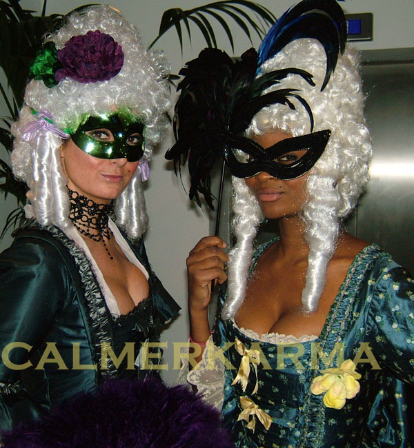 VENETIAN-MASQUERADE-THEMED-HOSTESSES-LONDON