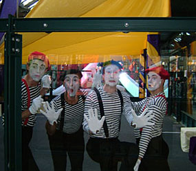 CIRCUS THEMED ENTERTAINMENT - MIME ARTISTS IN A BOX ACT TO HIRE