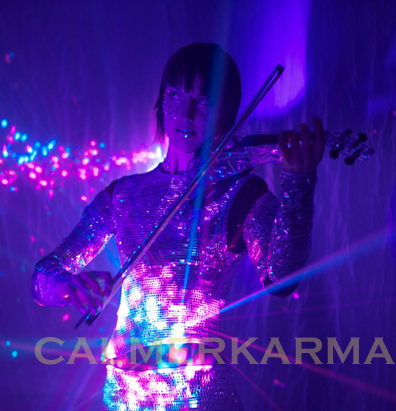 WINTER WONDERLAND ACTS TO HIRE - MIRROR ICE VIOLIN LONDON & EUROPE