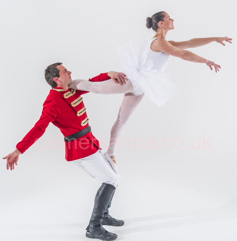 NUTCRACKER BALLET THEMED ENTERTAINMENT - BALLERINA AND TOY SOLDIER ACROBALANCE ACT TO HIRE UK