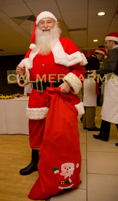 SANTA OR FATHER CHRISTMAS PERFORMER TO HIRE -LONDON