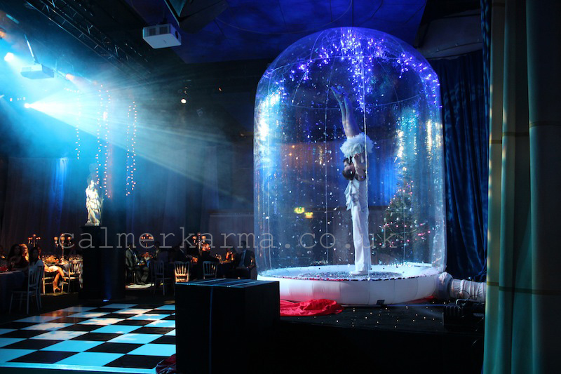 WINTER WONDERLAND THEMED ENTERTAINMENT -ACROBATIC SNOWGLOBE ACT TO HIRE UK