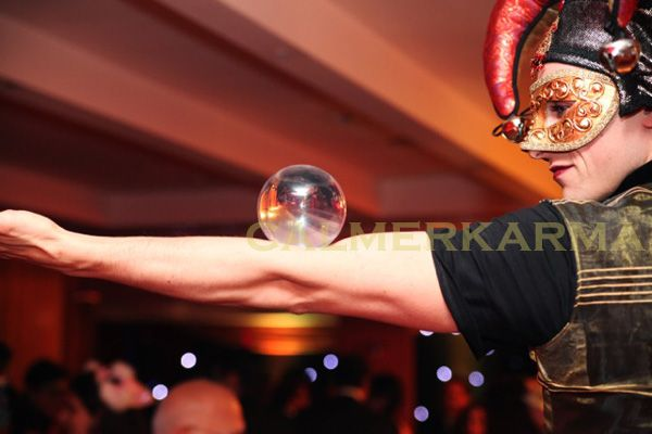 VENETIAN MASKED BALL THEMED ENTERTAINMENT - CONTACT JUGGLERS - UK