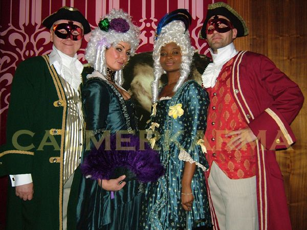 VENETIAN MASKED BALL THEMED ENTERTAINMENT - VENETIAN HOSTESSES + OPERA SINGERS UK